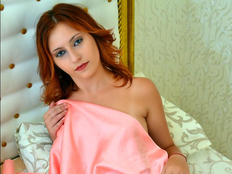 Michaela FOX - Sexcams - I am here for YOUR pleasure - I want to know what turns YOU on! Tell me all your fantasies, and let me make them come true - if I can, because I`m a bit shy.