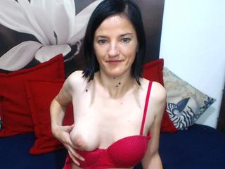 AnalLaura - Sexcams - I am a very playful brunette - I`d like to nibble on you until your so excited you can`t keep your hands off me. ;) Come into my chat - share your secrets with me, and I might share my body with you. ;)