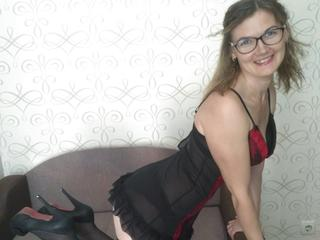 MichelleSh - Sexcams - Do you like nice mature girl? Come to my room if you are. I will show you what I have.